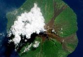 太空俯瞰火山喷发壮观