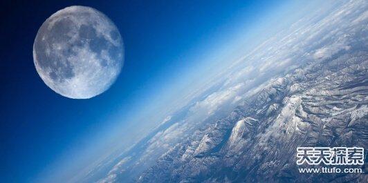 月球25大悬谜揭秘:月背竟有二战飞机